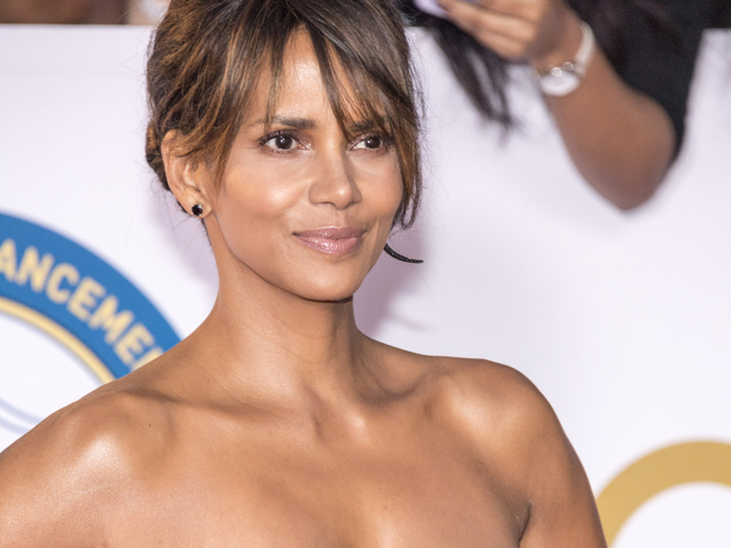 Halle Berry Secures $20 Million Deal for Directorial Debut 'Bruised'