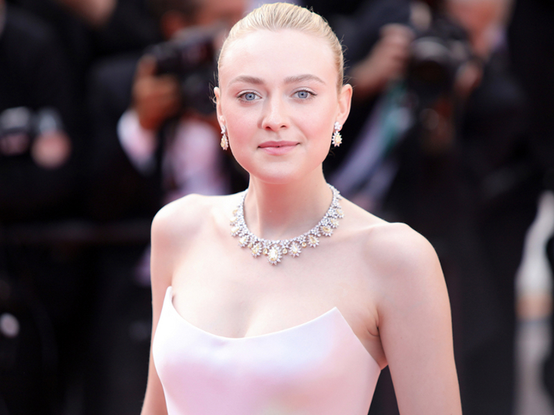 Dakota Fanning Speaks Out on Casting Backlash - 106.3 The ...