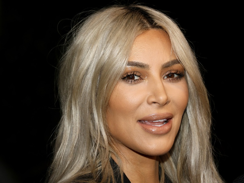 Kim Kardashian shares pic with daughter North West; Internet trolls her!