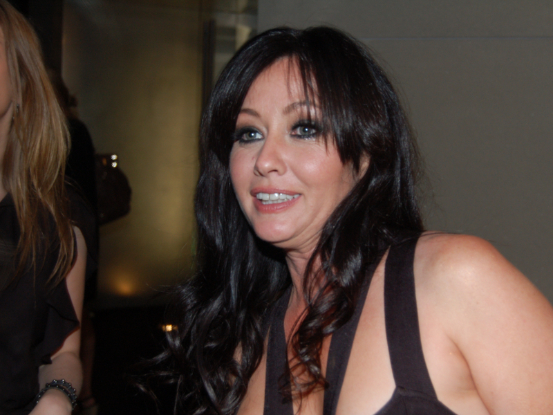 Shannen Doherty admits she's 'struggling' after revealing cancer battle